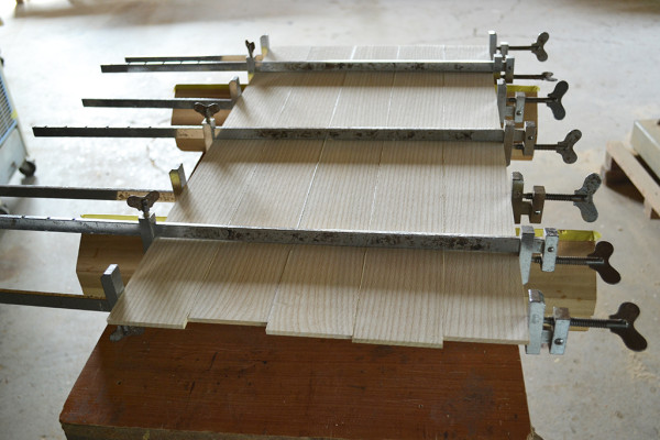 水屋箪笥(千本格子裏板)