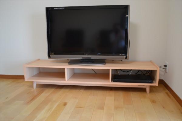 財田町T様TVボード